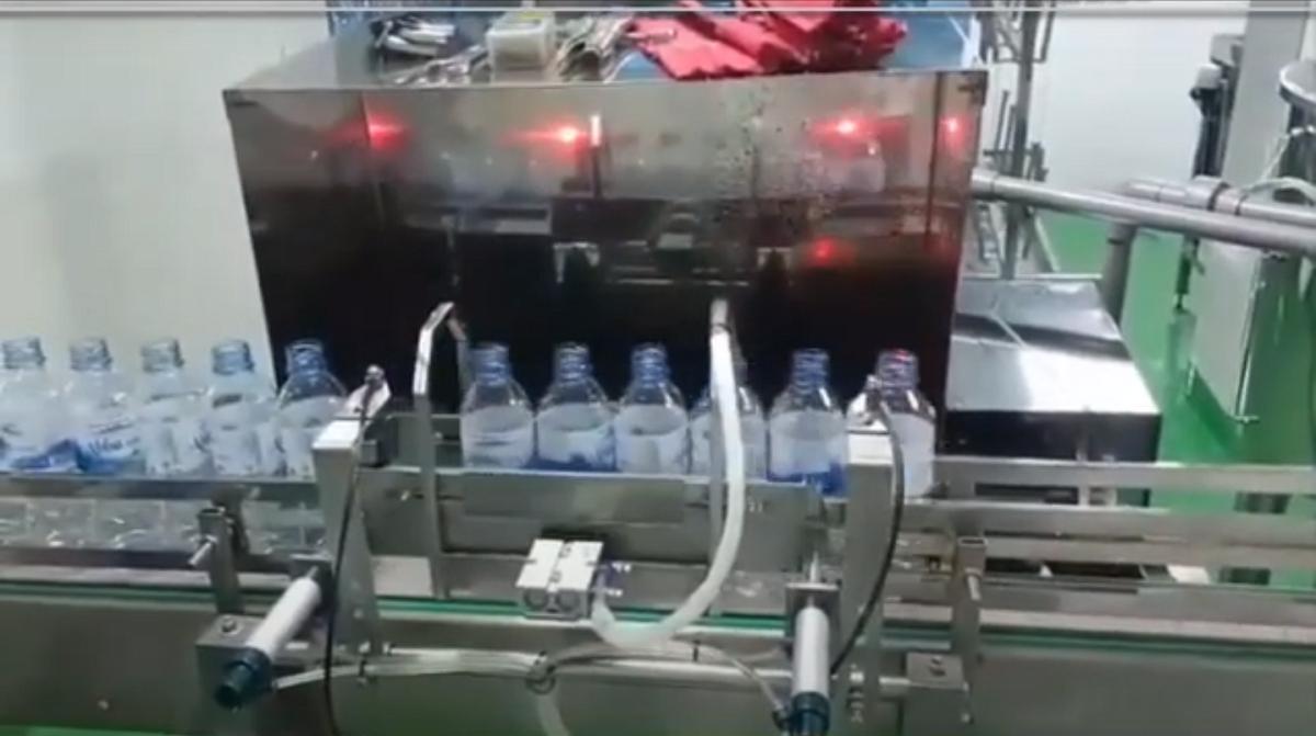 Máy chiết nước đóng chai