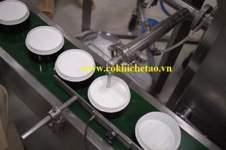 Máy chiết mỹ phẩm có băng tải - Máy chiết kem cốt trắng, chiết kem trị nám, chiết kem ủ trắng, kem trị mụn